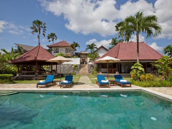 Villa Junno - pool area