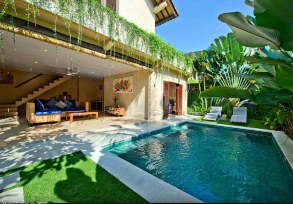 Pool villa mimpi