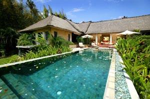 Pool & Villa Views